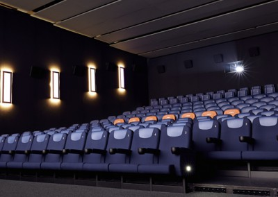 Saal mit D-Box Motion Seats